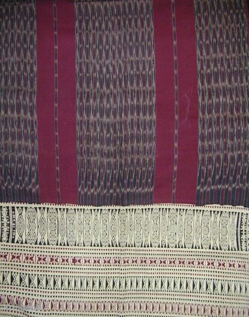 Batak Ceremonial Mantle (Ulos). Lake Toba, Sumatra. Cotton - ikat and supplementary warp weaving. First half 20th c. 205 x 128 cms. Very good condition