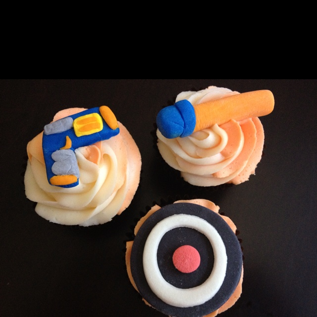 Best Cake Decorating Gun : 50 best images about Nerf PARTY! on Pinterest Nerf war ...