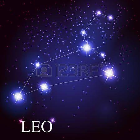 вектор знак Лев зодиак красивые яркие звезды на фоне космического неба photo