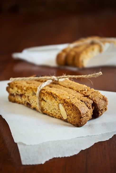 vegan cranberry almond biscotti