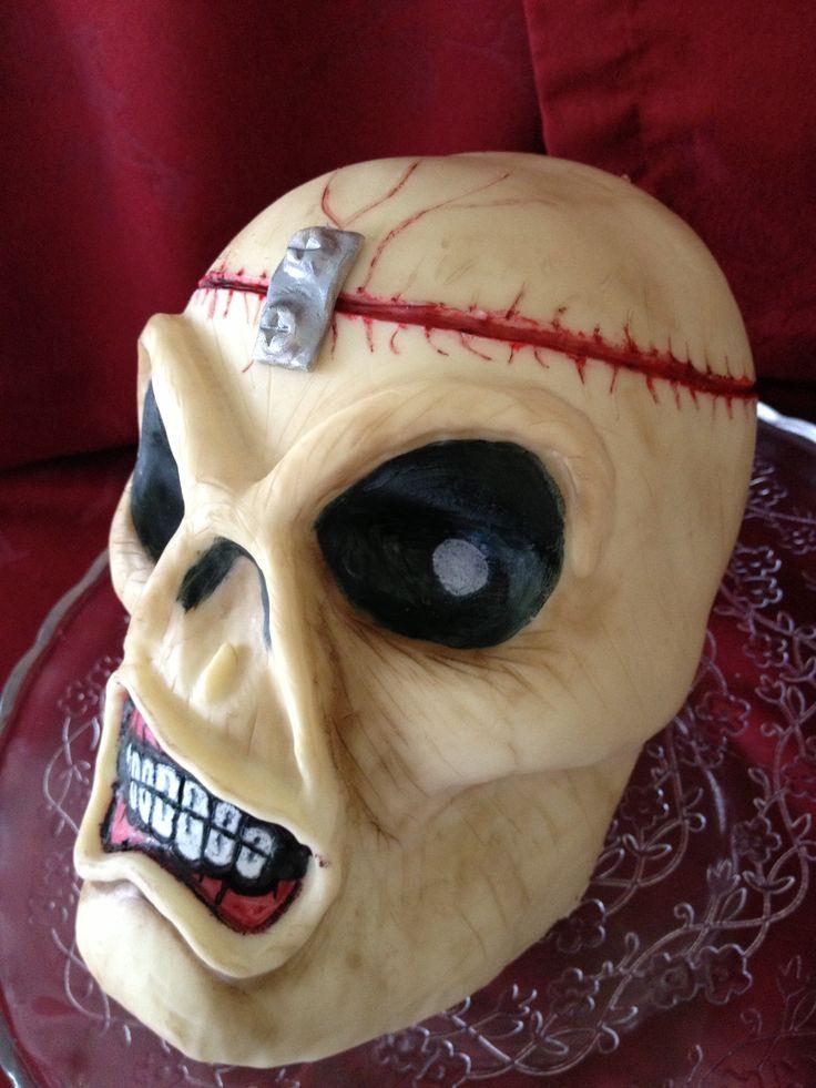 Eddie Skull Tort 225 K Three Tier Cake Tiered Cakes Cake