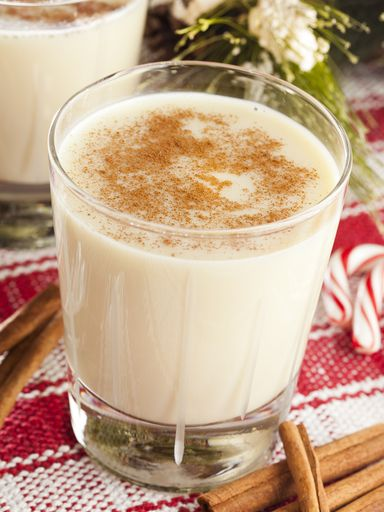 oeuf, sucre en poudre, lait, crème, rhum vieux