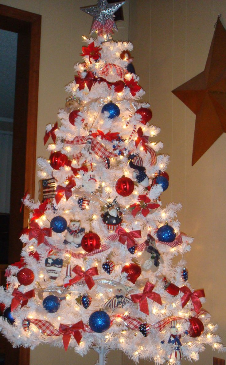 24 best christmas trees red white and blue images on pinterest xmas trees christmas trees. Black Bedroom Furniture Sets. Home Design Ideas
