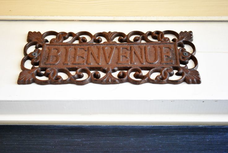 bienvenue sign for over the door