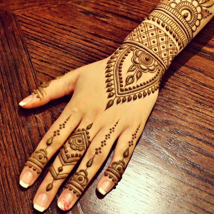 Henna Hand Strip Design Simple