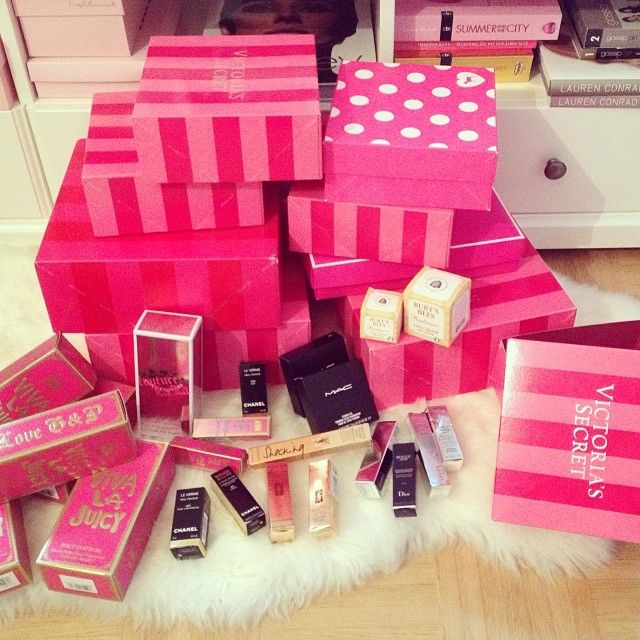 victoria's secret ! Just looking at all of this makes me happy lol