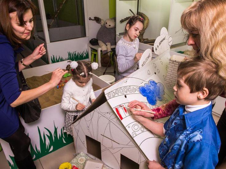"""""""И в десять лет, и с семь, и в пять все дети любят рисовать""""   Каждый ребенок по природе своей творец. Рисуя, малыш развивает мелкую моторику руки, образное мышление и фантазию.   #картонныедомики #домикидлятворчества #детскиедомики #игрушкиизкартона #домикизкартона #сделаноизкартона #развитиедетей #спокойствиемамы #чтоподаритьсыну #подарокдляребенка #экоигрушка #donkarton  Подарите сыну, дочке дом картонный, игровой!!! Бандероль на День Рождения - больше метра высотой!! shopingplay.ru"""