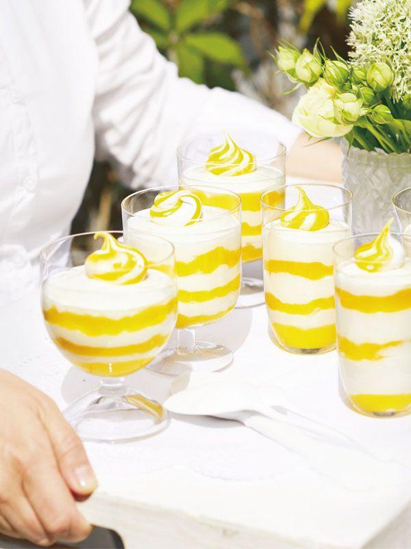 Lemon-Curd-Joghurt Creme im Dessertglas