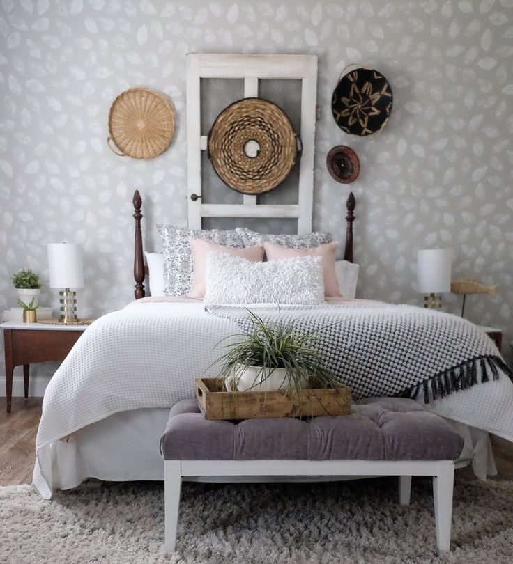 Orange Sponged Accent Wall: Accent Wall Paint, Cottage Style
