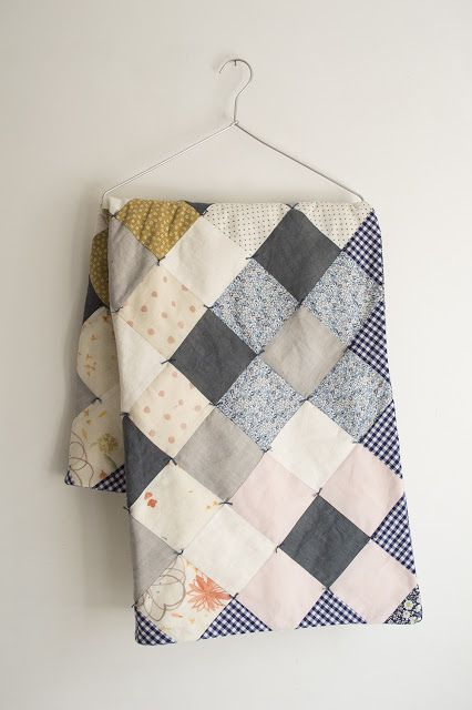 """la casita: Quilt #2 - something truly """"pleasant"""" about this quilt.  Wish I could see more"""