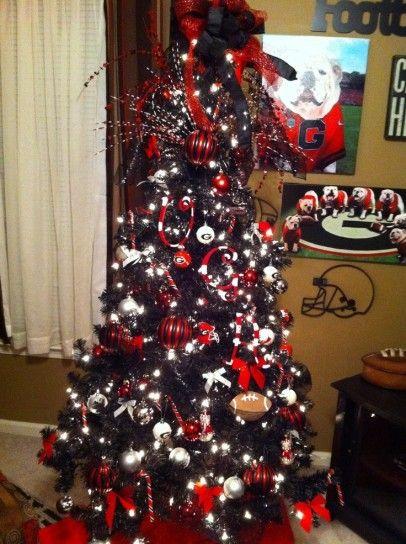 Albero nero e rosso - Un coloratissimo albero di Natale nero e rosso
