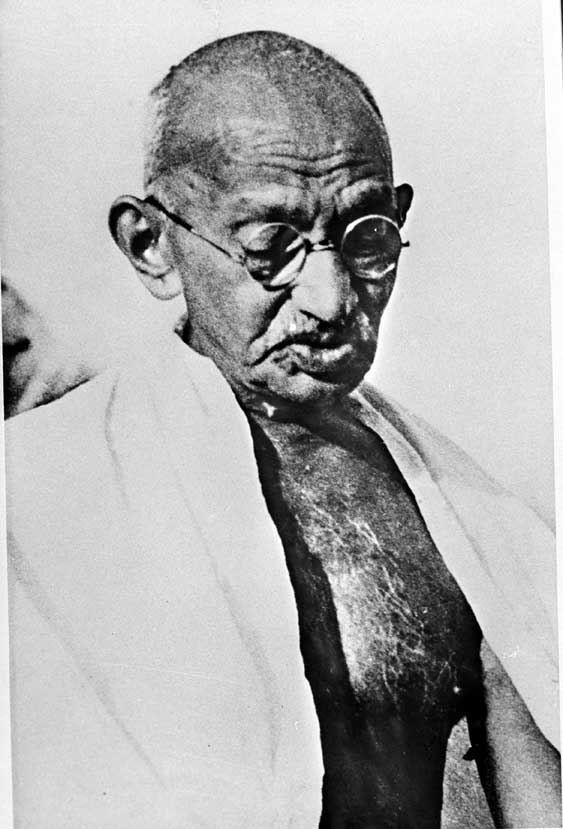 Gandhi and Churchill: parallel lives, divergent world views
