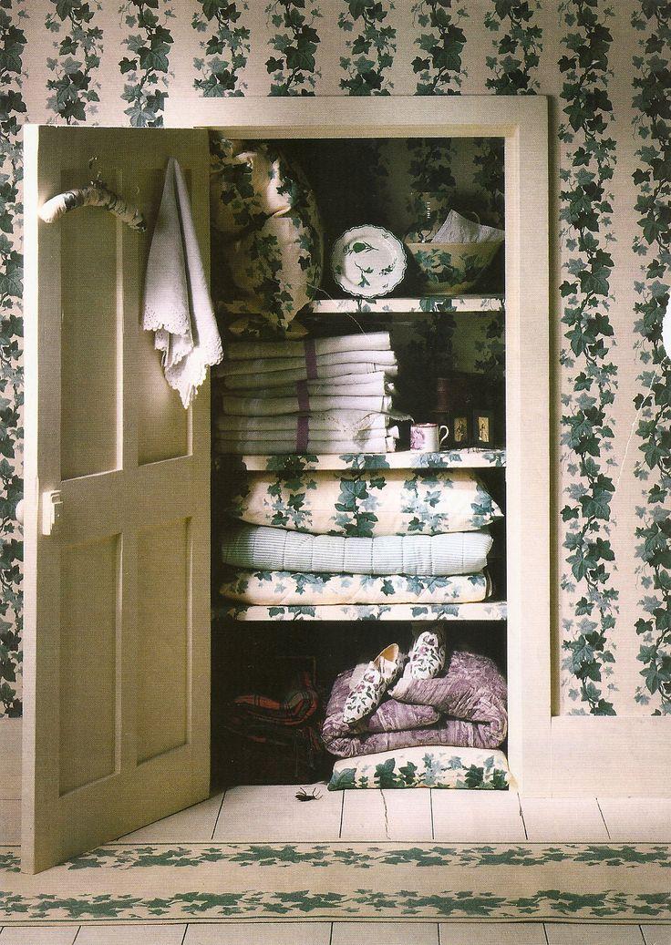 Ivy Wallpaper Shop Vintage Pinterest Posts