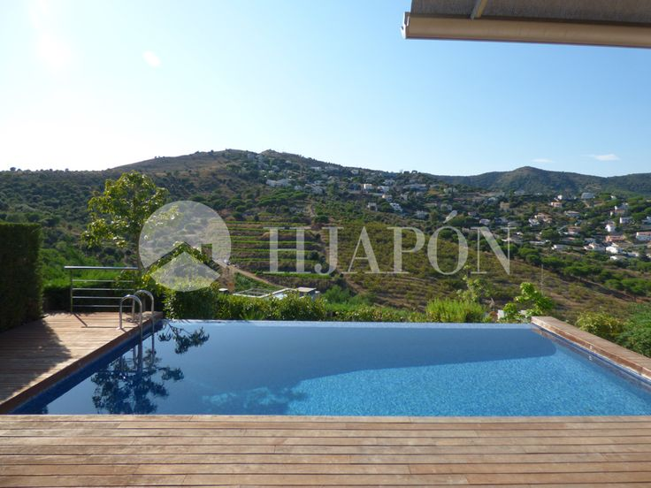 Gorgeous estate for sale very close to the prestigious Laie-Hamelin international schools in Alella in Maresme