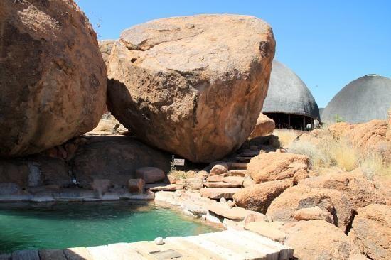Mowani Mountain Camp: the pool