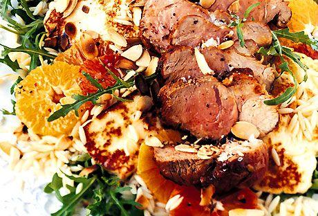 Helstekt fläskfilé med halloumi | Recept från Köket.se
