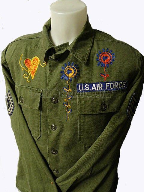 Camicia Vintage Militare Verde US Air Force OG-107 Cotton 60's - 70's Peace & Love Ricami Floreali Americana USA Completa di Patches Stemmi :: Vintage Militare 60's - 70's Peace & Love :: Abbigliamento Militare - PX Prato