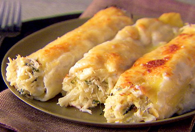 Crab and Ricotta Cannelloni Recipe : Giada De Laurentiis : Any seafood works - yummy with shrimp and lobster too - or a combo of all three!