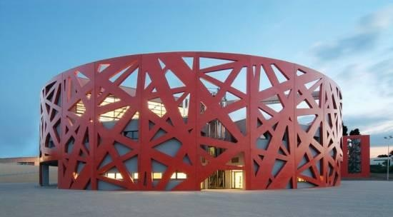 Każdy chłopiec chciał być strażakiem. / Every boy wanted to be firemam.: Contemporary Architecture, Architecture Wonder, Bfm Architects, Aaahhh Architecture, Architecture Interiors, Exterior Design, Arquitectura Architecture,  Paddles Wheels, Architecture Concrete