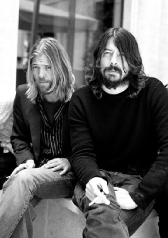 Dave Grohl and Taylor Hawkins of foo fighters. Both of them say they're like brothers to each other. Their friendship is just perfect and on top of it they're both so f***ing talented!!