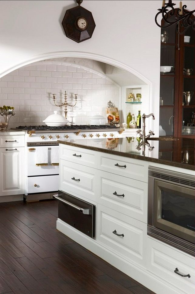 Best 25 traditional kitchen stoves ideas on pinterest traditional kitchen shelfs traditional - La cornue kitchen designs ...