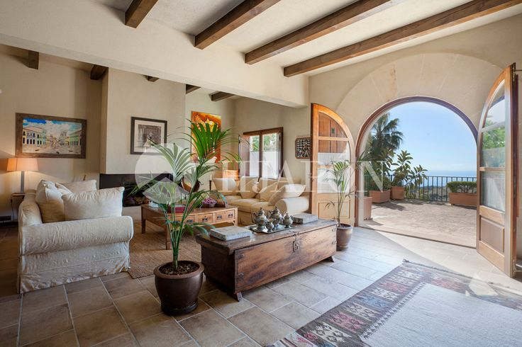 Exclusive luxurious estate for sale facing the Mediterranean Sea