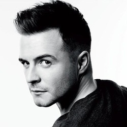 Shane Filan - westlife Gorgeous, Irish & can sing a damn good love song.... ♥