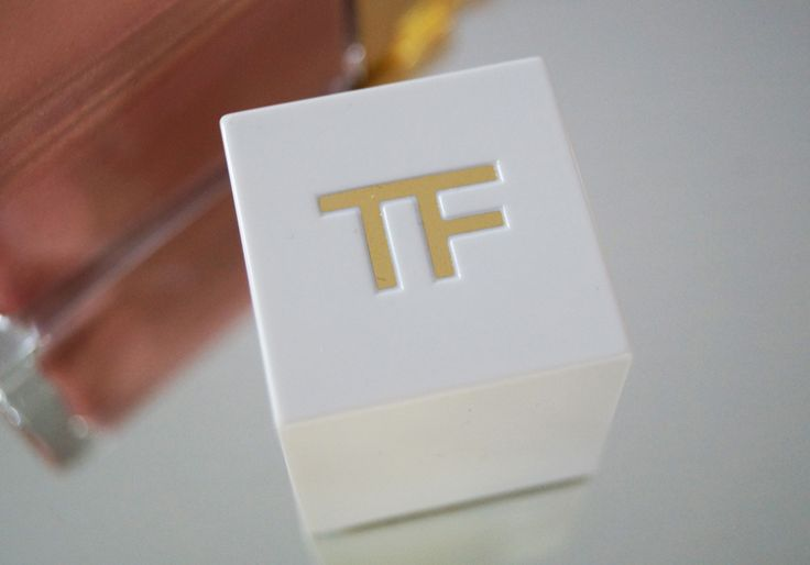 Summer Collection of Tom Ford - Soleil. Visit : http://www.sheistheone.ch/2016/06/beauty-tom-ford-soleil-2016-part-ii.html , For looking the Favorite Summer Beauty Product of Famous Fashion Blogger - Ema Dulakova. #TomFord #SwissBlogger #BeautyBlogger #SummerCollection