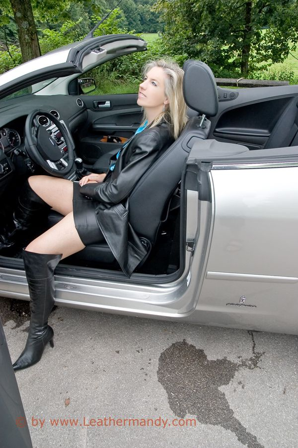 Bild: leathermandy013251ogig.jpg - abload.de