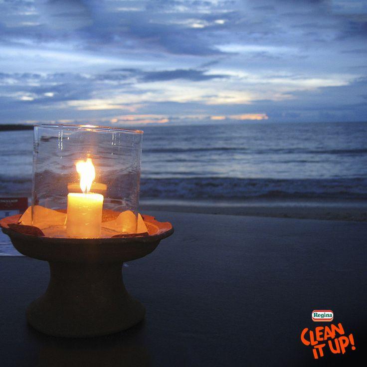 Le candele al posto giusto, qualche conchiglia per creare l'atmosfera; pronti ad una sera sulla spiaggia insieme?
