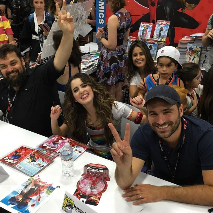 #mulpix MIRACULOUS TALENT SIGNING for the Miraculous Fans- Thomas Astruc (Creator), Laura Marano (music video and second season), Jeremy Zag (Founder ZAG)   #zagheroez   #bemiraculous  #comiccon @jeremy_zag @lauramarano