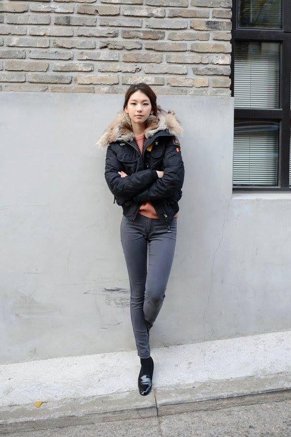 모델 김진경 최근 모습 도슈코의 애기애기 하던 모습이 엊그제 같은데... 97년생인데.....왜 이렇게 예쁘죠