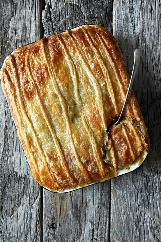 Leche y Miel: pollo, col rizada y Mushroom Pie