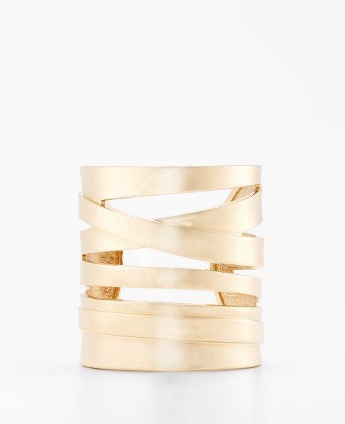 Sculptural Cuff by anntaylor #Bracelet #anntaylor: Cuffs Bracelets, Beautiful Cuffs, Annheartsfashion Fashion, Gold Cuffs, Gold Bracelets, #Anntaylor Bracelets, Bracelets Gold, Anne Taylors, Sculpture Cuffs