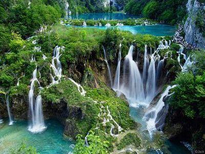 クロアチアのプリトヴィッチェ湖群国立公園。Croatia