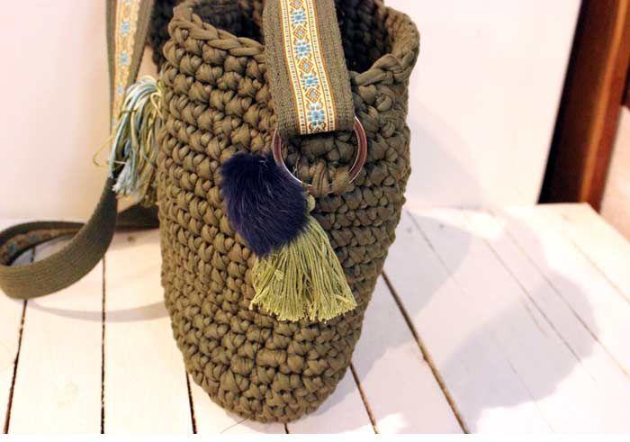 tassel crochet bag