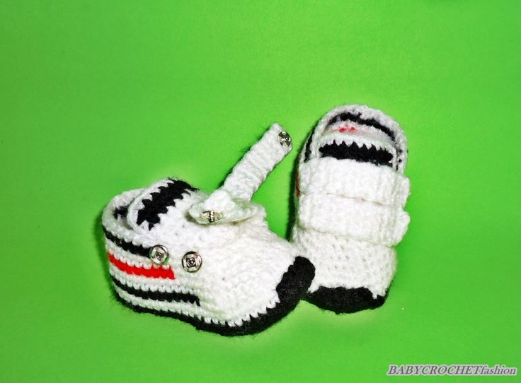 2016 Baby Shoes- crochet Sneakers, Crochet Baby Boots, Newborn Baby Shoes, White baby converse, White Boots, Baby Toddler Shoes, baby shoes by BABYCROCHETfashion on Etsy