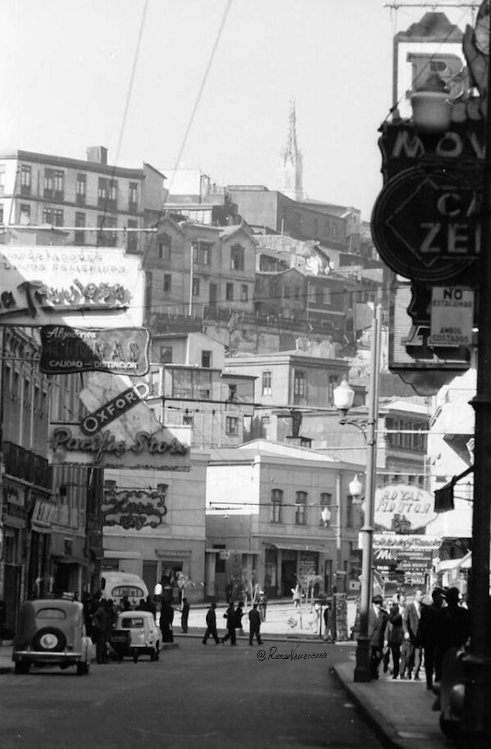 Calle Condell esq. Bellavista de #Valparaíso, año 1967. Todavía sin construir Hotel Condell.