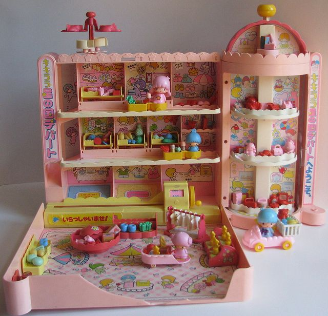 Little Twin Stars 1976 vintage shopping mall playset by Siri_Mae_doll, via Flickr