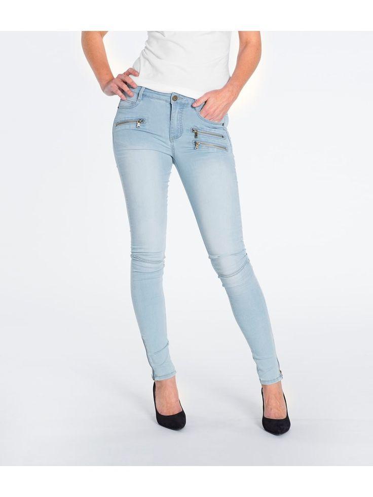 L2017 https://www.kappahl.com/pl-pl/ona/Dzinsy/dzinsy-slim-regular-waist/268334