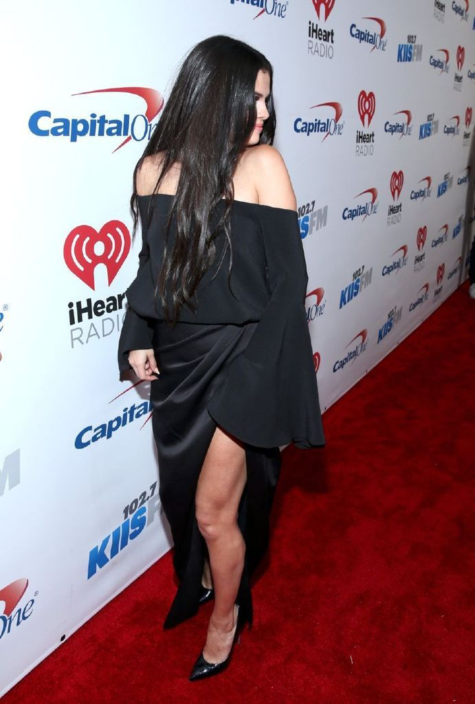 Selena Gomez – 102.7 Kiis Fm's Jingle Ball 2015 in LA : Global Celebrtities (F) FunFunky.com