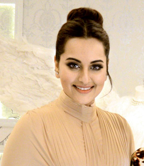Sonakshi Sinha plans to launch her own fashion line soon ...