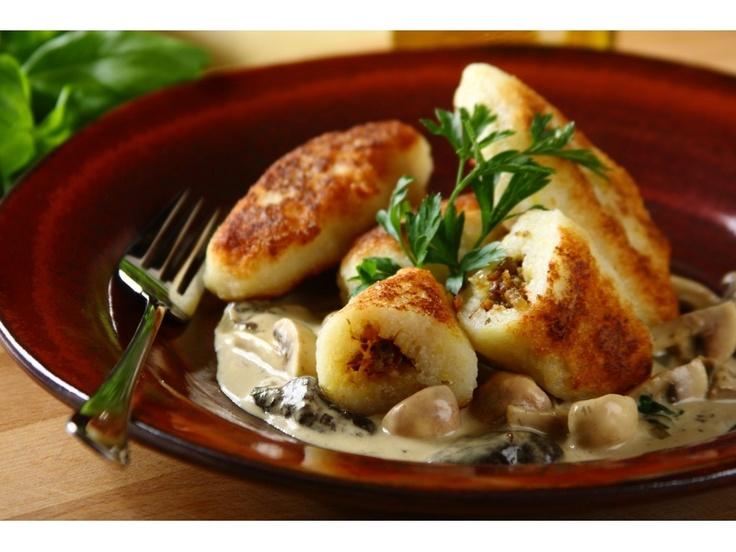 Fix Knorr połącz z wodą oraz jajkiem i odstaw na 10 min.  Surowego ziemniaka zetrzyj na tarce o d...