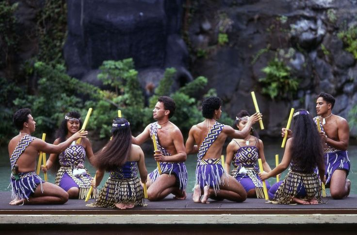The best place in Hawaii to learn about the culture and people of Polynesia, is at the Polynesian Cultural Center (PCC) in Laie, the gateway to Oahu's North Shore. #oahu #hawaii #wanderlust #traveltips
