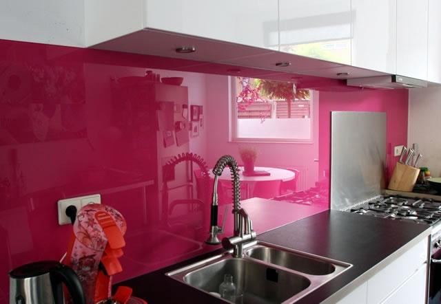 Roze in de keuken