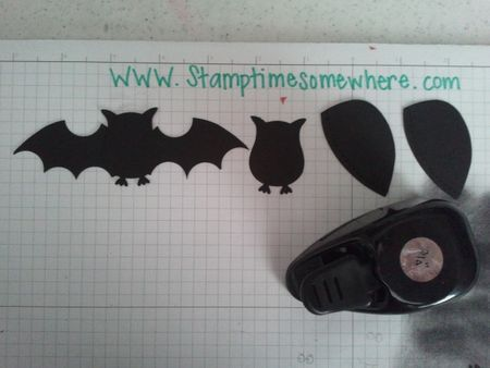 """Batwings from the Stocking die heels and 3/4"""" Circle punch. Add an owl from the Owl Builder punch and you're done."""