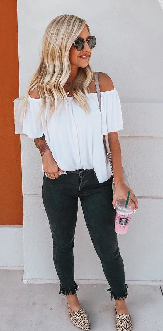 cde6718b357ab fall  outfits white off-shoulder top.