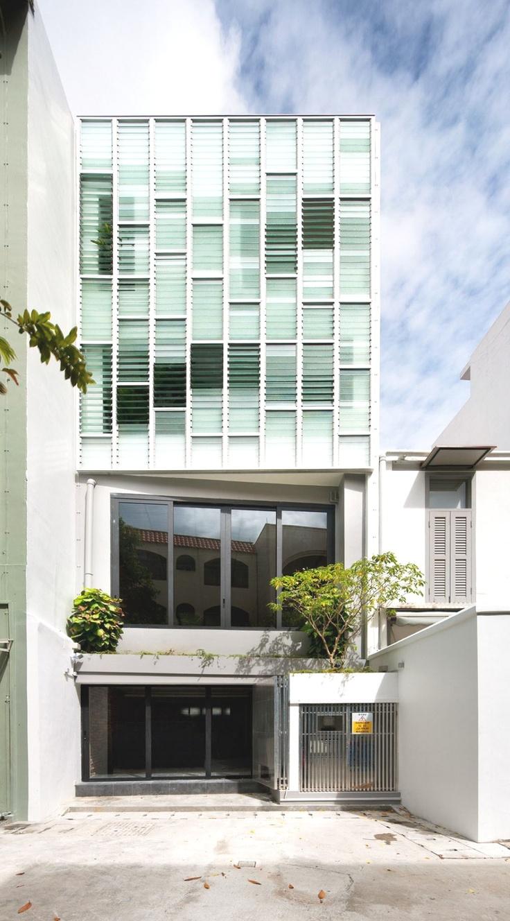 Pool Shophouse, Singapore - http://www.adelto.co.uk/contemporary-pool-shophouse-properties-singapore