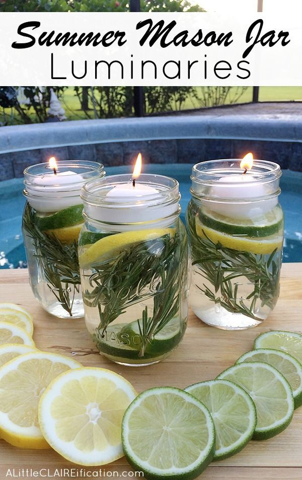 Décoration estivale : des bougies flottantes dans des bocaux avec des essences qui repoussent les insectes indésirables - Summer Mason Jar Luminaries - These are not only easy and beautiful they are also a chemical free DIY Bug Repellent!
