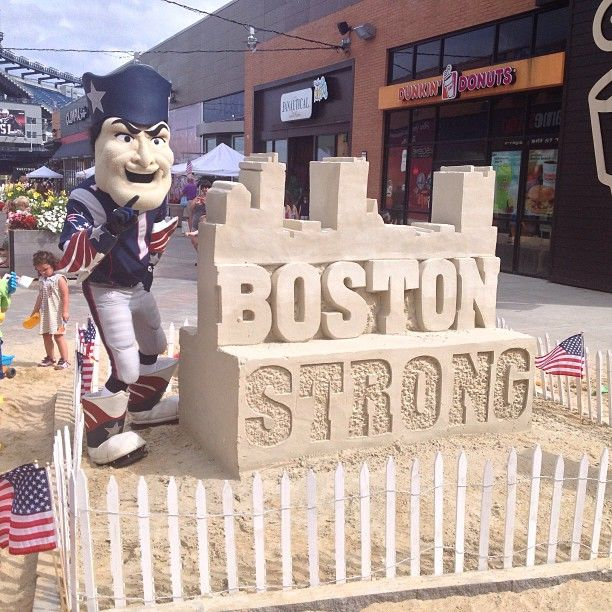 Pat Patriot Mascot with an amazing sandcastle at Patriot Place #bostonstrong #patriots #Padgram